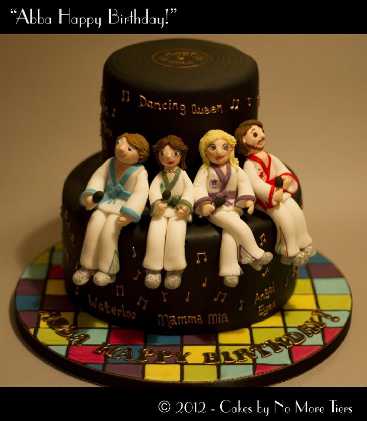 Square Wedding Cake To Feed